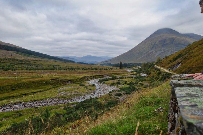 Der Weg folgt einem Nebenarm des River Orchy