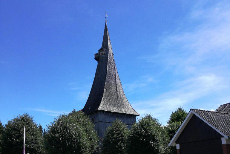 Turm der St. Martini Kirche in Estebrügge