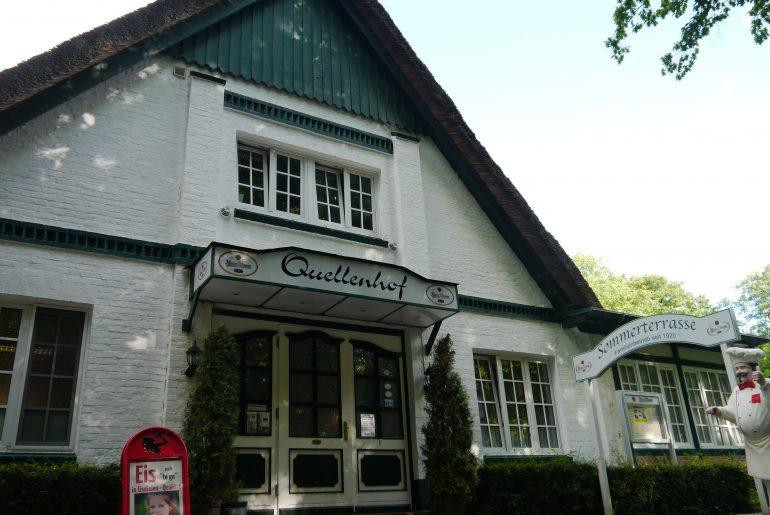 """Gasthaus """"Quellenhof"""" in Hamburg-Bergstedt direkt am Alsterwanderweg"""
