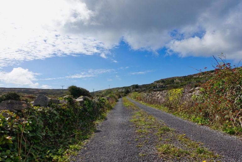 Schotterweg auf Inishmore