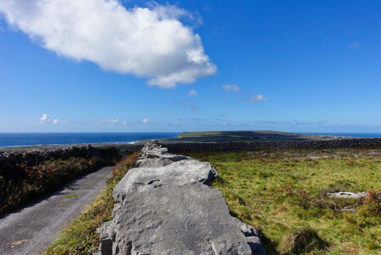 Blick an der südwestlichen Steilküste entlang